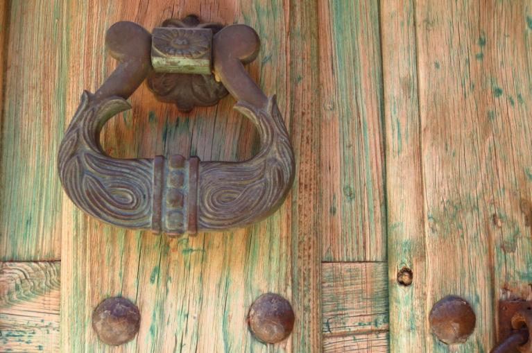 traditional knocker detail Liébana
