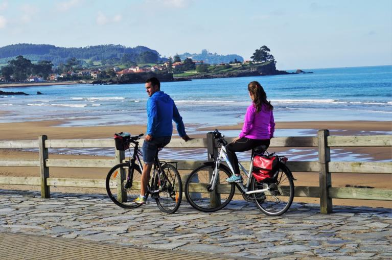 Cyclists at the beach