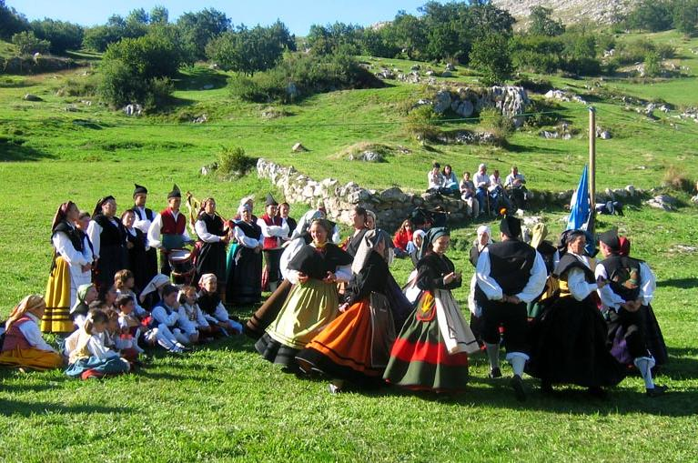 Traditional dances in Sotres