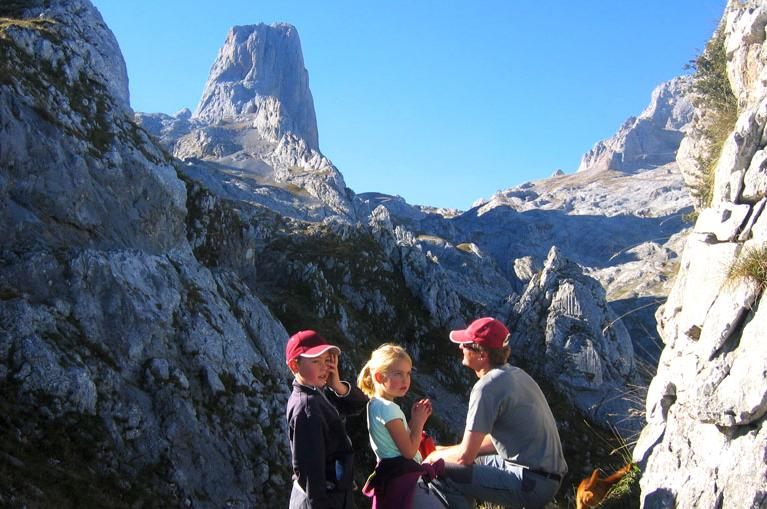 Father with kids in Picos de Europa