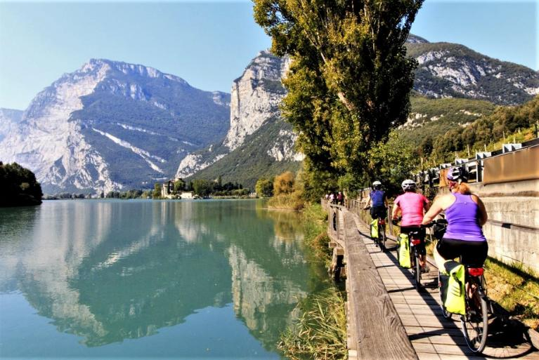Cyclists in Lago Garda