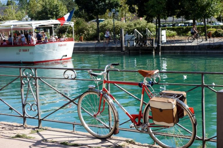 Bike in the Canal de Garonne